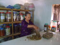Lương y Nguyễn Thị Thập luôn tâm niệm phải làm tròn y đức của người thầy thuốc