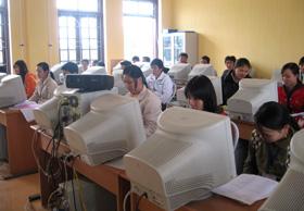 Hiện nay, hệ thống máy vi tính của Trường Trung cấp nghề Hòa Bình cở bản đã được nối mạng internet ADSL do Viettel chi nhánh Hòa Bình cung cấp.