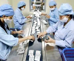 Dây chuyền sản xuất thuốc của một doanh nghiệp dược trong nước