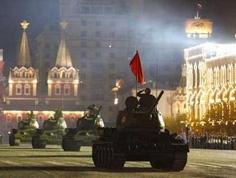 Nga diễn tập chuẩn bị lễ diễu binh ngày 9.5 trên quảng trường Đỏ.