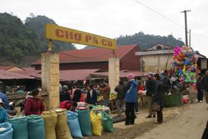 Chợ Pà Cò (Mai Châu) sẽ tiếp tục được đầu tư thêm các hạng mục theo tiêu chí nông thôn mới.
