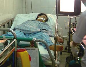 Một bệnh nhân nhiễm rubella bị biến chứng viêm não đang điều trị tại Bệnh viện Nhiệt đới Trung uơng