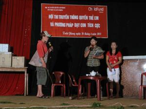 Một tiểu phẩm dự thi của Đoàn thanh niên xã Xuân Phong tại Hội thi truyền thông quyền trẻ em và phương pháp dạy con tích cực tổ chức tại xã.