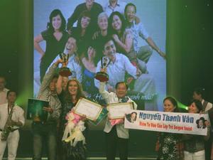 Hai thí sinh Trần Thị Kim Loan và Nguyễn Thanh Vân cùng đoạt giải nhất.