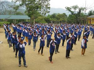 Trường THCS Kim Tiến (Kim Bôi) thể dục giữa giờ nâng cao sức khỏe