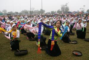 Hòa Bình: Đông Lai phát triển nghề dệt thổ cẩm