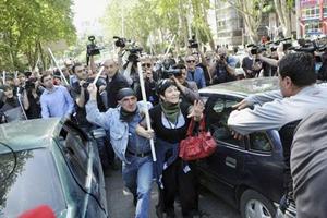 Người biểu tình đổ ra khắp các đường phố thủ đô Tbilisi trong 3 ngày qua.