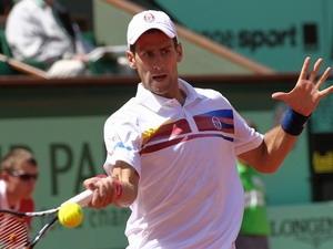 Djokovic khở đầu dễ dàng