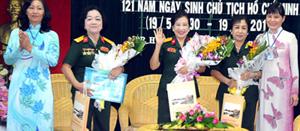 Các nữ nghệ sĩ quân đội tại buổi giao lưu