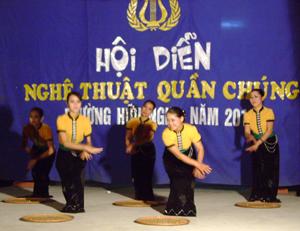 Tiết mục múa của tổ 21 được đánh giá cao tại hội diễn