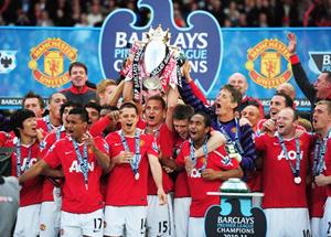 MU đã đăng quang một cách thuyết phục ở Premiership với chức vô địch thứ 19