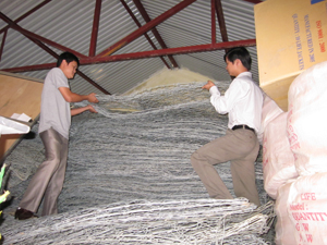 Huyện Kim Bôi chuẩn bị sẵn sàng vật tư, phương tiện khắc phục hậu quả sau lũ bão.