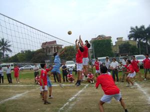 Đội bóng chuyền xã Long Sơn tham gia giải bóng chuyền CNVC huyện năm 2011.