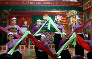 Nhiều hoạt động VHVN, sinh hoạt CLB, đội, nhóm sở thích ở xóm Nà Mèo được hình thành và thường xuyên biểu diễn trong Ngày hội ĐĐK của xóm.