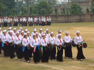 Nhằm giữ gìn và phát huy giá trị văn hóa truyền thống, những năm qua, huyện Lạc Sơn đã sưu tầm, quản lý được trên 1.200 chiếc cồng chiêng còn lưu giữ trong nhân dân.