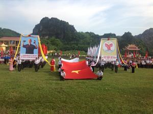 Toàn cảnh buổi lễ khai mạc đại hội TDTT xã Tân Thành lần thứ III (Lương Sơn).
