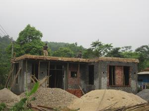 Từ Chương trình 167 và được dòng họ, cộng đồng giúp đỡ, đến nay, hộ nghèo ở xã Độc Lập (Kỳ Sơn) đã cơ bản xóa nhà tạm, nhà dột nát.
