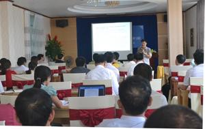 Các đại biểu dự hội nghị triển khai một số văn bản quy phạp pháp luật về ATTP.