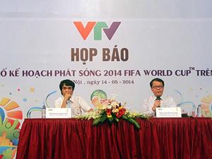 Hai đại diện VTV trong buổi họp báo công bố chương trình phát sóng VCK World Cup 2014 Ảnh: HẢI ANH