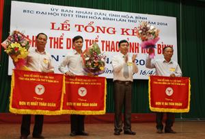 Đoàn VĐV thành phố Hòa Bình và các đơn vị Kim Bôi, Tân Lạc đoạt nhất, nhì, ba toàn đoàn tại Đại hội TD-TT tỉnh lần thứ V - năm 2014.
