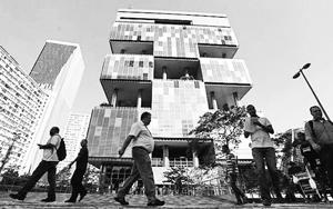 Trụ sở Petrobras tại TP Ri-ô Ðê Gia-nê-rô, Bra-xin. Ảnh ROI-TƠ