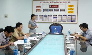 Lãnh đạo Sở Y tế trao đổi về tình hình triển khai Chỉ thị 09/2014/ CT-UBND của UBND tỉnh với Hội Bảo vệ quyền lợi người tiêu dùng.