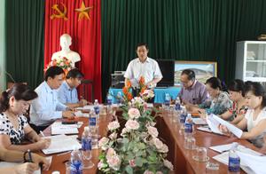 Đồng chí Bùi Văn cửu, Phó Chủ tịch TT UBND tỉnh, Trưởng Ban chỉ đạo thực hiện BHYT toàn dân tỉnh kết luận buổi làm việc.