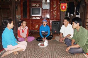 Mô hình tổ liên gia tự quản hoạt động hiệu quả tại xóm Nà Cụt, xã Nà Phòn.