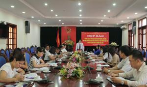 Đồng chí Nguyễn Văn Chương, Phó Chủ tịch UBND tỉnh phát biểu tại buổi họp báo.
