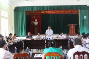 Đồng chí Bùi Văn Cửu, Phó Chủ tịch TT UBND tỉnh, Trưởng Ban chỉ đạo công tác DS/KHHGĐ tỉnh phát biểu tại buổi kiểm tra.