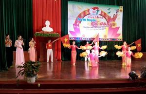 Tiết mục văn nghệ tuyên truyền của đoàn thị trấn Mường Khến đạt giải A tại liên hoan