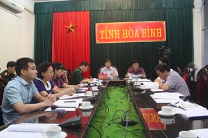 Đồng chí Bùi Văn Cửu, Phó chủ tịch TT UBND tỉnh chủ trì đầu cầu Hòa Bình.