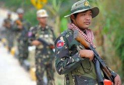Lính Campuchia ở khu vực biên giới Campuchia-Thái Lan, gần ngôi đền cổ Preah Vihear tranh chấp.