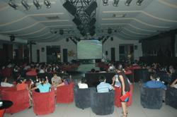 Trung tâm Thương mại giải trí Applaza lắp đặt màn hình 400 inch phục vụ đống đảo khách xem bóng đá