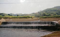 Nhiều bai đập ở huyện Cao Phong được sửa chữa và nâng cấp trước mùa mưa bão