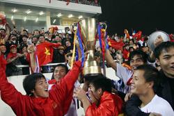 Sau ngôi vô địch AFF Cup 2008, những người có trách nhiệm vẫn chưa vạch được một kế hoạch tầm xa cho bóng đá Việt Nam