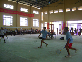 Cầu lông là môn thế mạnh của xã Toàn Sơn.