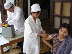 Từ đầu năm đến nay, toàn tỉnh đã có 6421 bà mẹ mang thai được tiêm phòng uốn ván sơ sinh, chiếm 38,8%