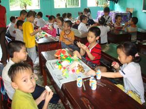 Phường Đồng Tiến (TPHB) quan tâm chăm sóc dinh dưỡng cho trẻ em.