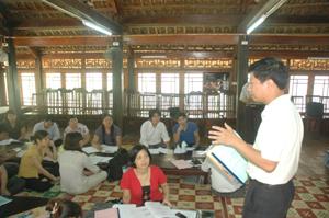 Các học viên của tỉnh ta tham dự lớp đào tạo kỹ năng đánh giá nông thôn có sự tham gia (PRA)