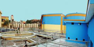 Một trong những vấn đề nan giải đối với môi trường là thiếu hệ thống xử lý nước thải tại các khu công nghiệp.  Ảnh: Bá Hoạt