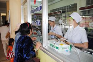Cần quản lý giá thuốc tốt hơn để giảm bớt khó khăn cho người bệnh