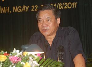 Đồng chí Hoàng Việt Cường, Bí thư Tỉnh uỷ, Chủ tịch HĐND tỉnh khoá XIV phát biểu khai mạc kỳ họp.