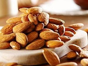 Quả hạnh nhân giàu chất xơ, protein và cung cấp nhiều năng lượng. (Nguồn: Internet)