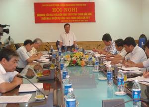 Đồng chí Bùi Văn Tỉnh, UVT.Ư Đảng, Phó Bí thư Tỉnh ủy, Chủ tịch UBND tỉnh Phát biểu chỉ đạo hội nghị.