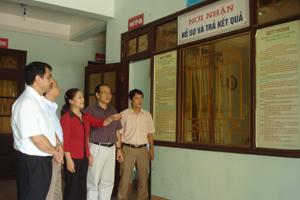 """BCĐ thực hiện QCDC tỉnh kiểm tra tại bộ phận """"Tiếp nhận và trả kết quả"""" của Sở Y tế."""