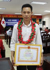 Trần Thái Thành được BCĐ vận động HMNĐ tỉnh tăng giấy khen và ving dự được lựa chọn là thanh niên tiêu biểu đi dự Lễ tôn vinh người hiến máu tình nguyện Hà Nội.