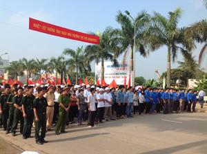 Lễ mít tinh hưởng ứng ngày môi trường thế giới 5/6 tại huyện Lương Sơn.