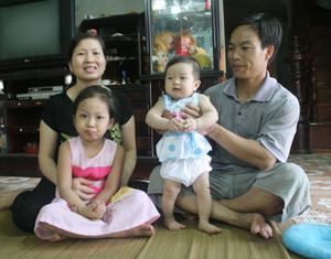 Gia đình anh Nguyễn Chí Trung, sinh con một bề nhưng luôn hạnh phúc.