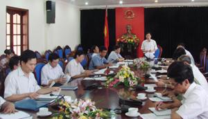 Đồng chí Bùi Văn Cửu, Phó Chủ tịch TT UBND tỉnh, Trưởng ban tổ chức địa phương phát biểu chỉ đạo tại hội nghị.